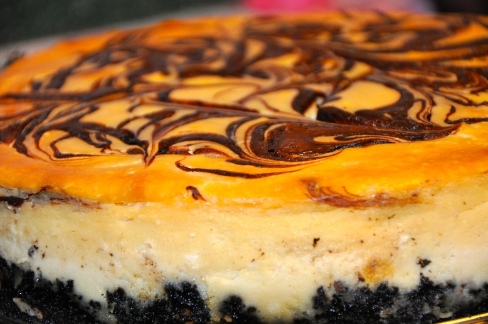 Bailey's Chocolate Swirl Cheesecake (2/2)