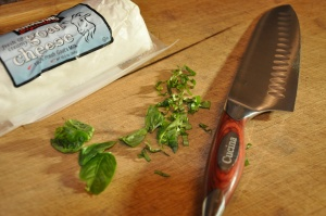 Thinly sliced fresh basil