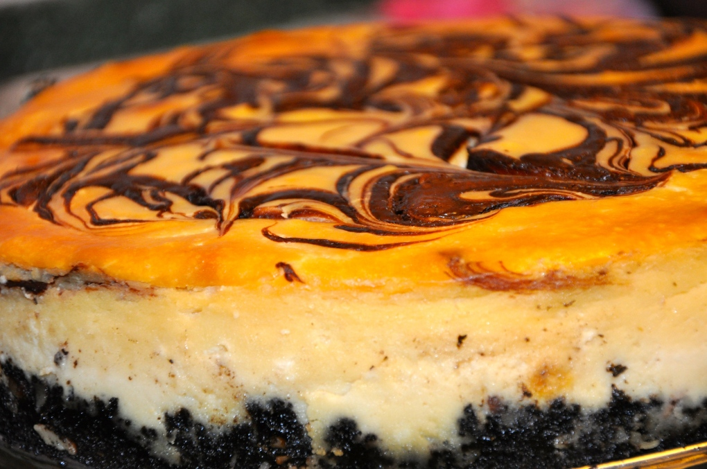 Bailey's Chocolate Swirl Cheesecake